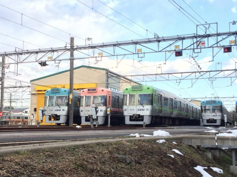電車好きにはたまらない!レインボーカラーの車両を眺める「富士見ヶ丘検車区」と「玉川上水緑道」を親子で楽しむコース