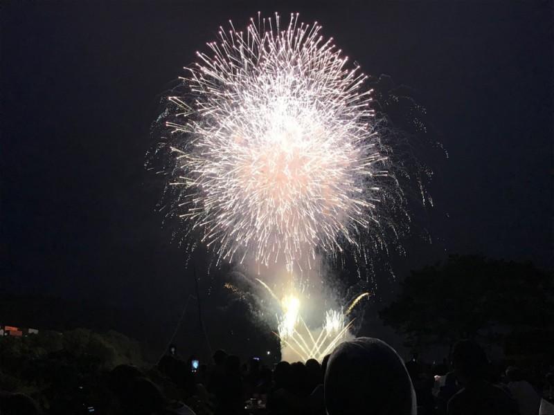 花火を間近で見られる!「相模原納涼花火大会」をピクニック気分で楽しむコース