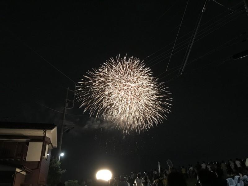 「せいせきみらいフェスティバル2019」で地元グルメを楽しみながら音楽と秋花火を鑑賞するコース