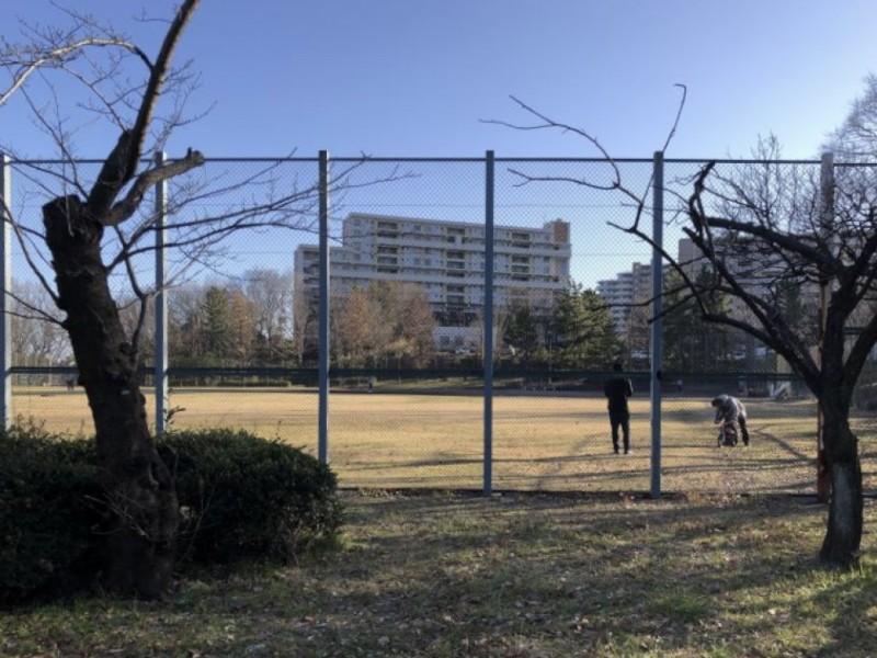 【12:20】電車も見える「諏訪北公園」でたっぷり遊ぶ