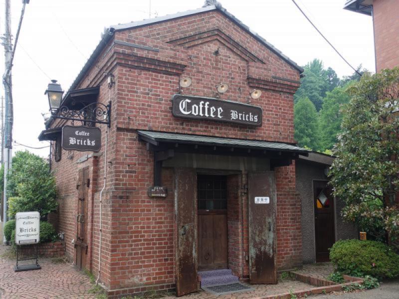 【16:00】「Coffee Bricks(コーヒー ブリックス)」でカフェタイム