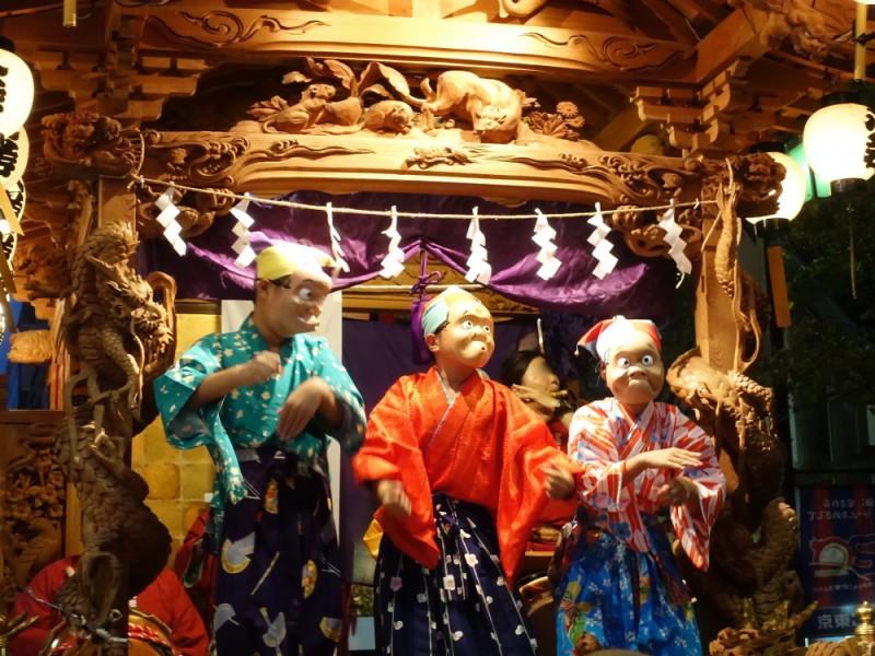【18:00】いよいよクライマックス!行灯ともる大國魂神社参道と山車を楽しむ