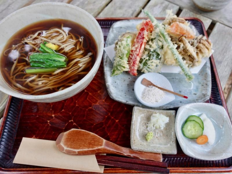 【13:00】「蕎麦と杜々」で季節の八王子産の野菜天ぷらと新蕎麦を味わうランチ