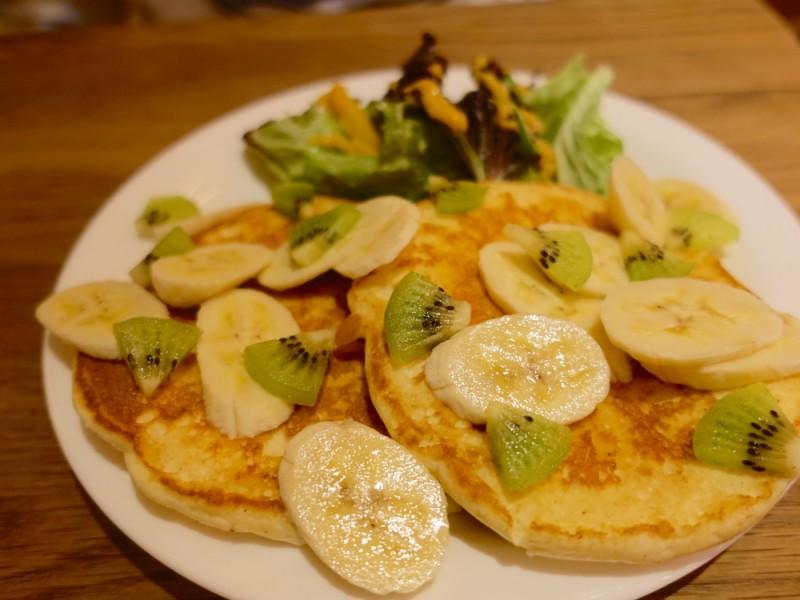 【11:30】「MOGMOG(モグモグ)」でパンケーキランチ