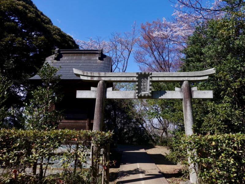【14:20】「平山季重(すえしげ)神社」へ参拝