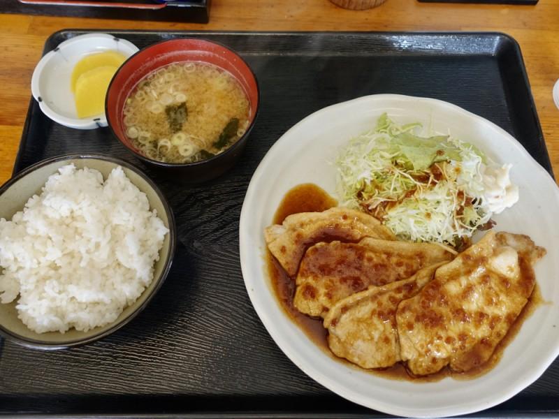 【12:10】「たかお食堂」でランチ