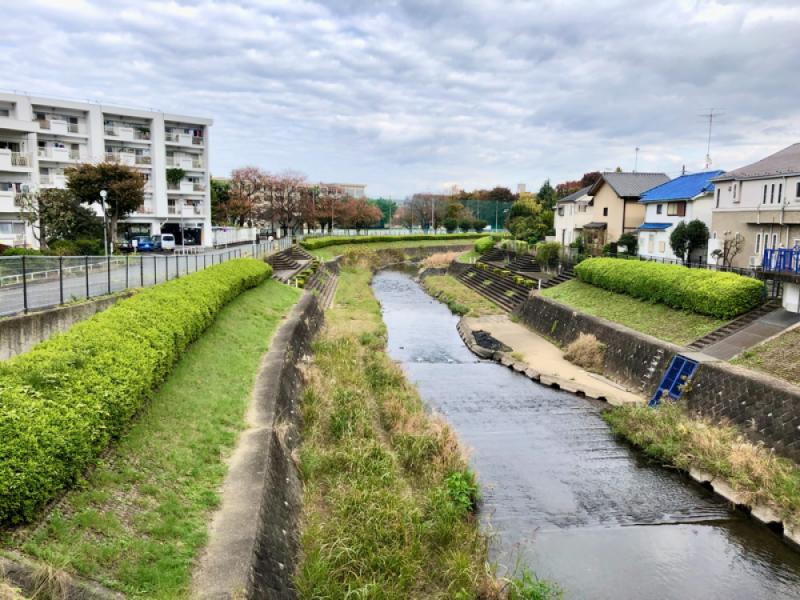 【12:20】「湯殿川」を散策しながら駅へ
