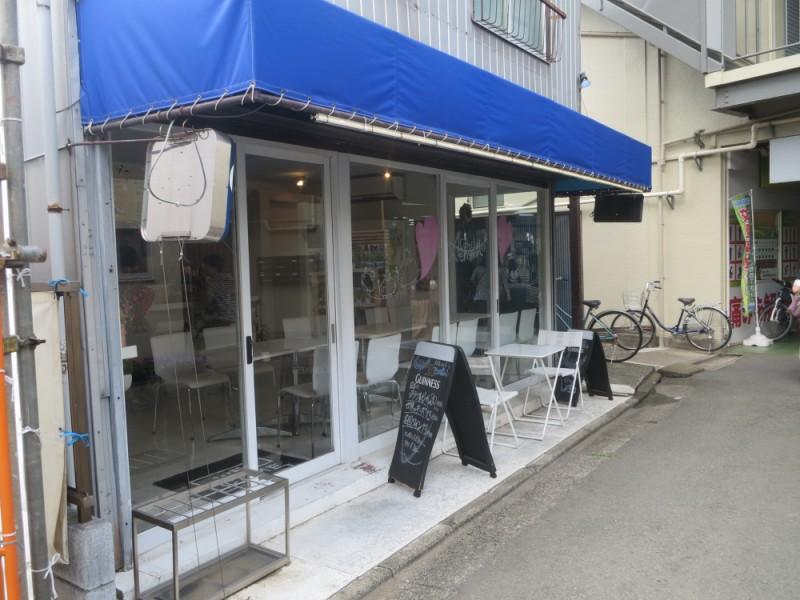【13:40】スタイリッシュなカフェ「Caffe&Bar Aeroporto(アエロポルト)」でコーヒーブレイク