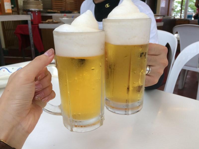 【15:00】山の中で飲むビールは格別!!「高尾山ビアマウント」で乾杯!