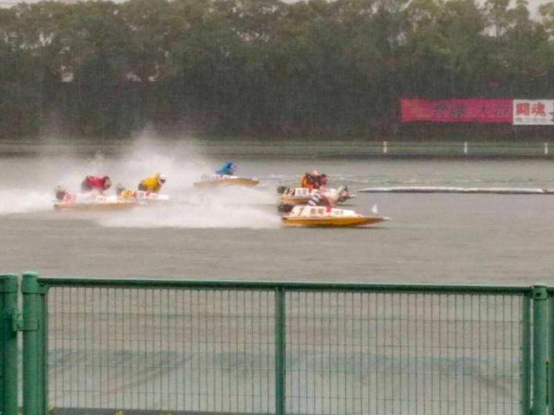 【15:10】ボートレースを観戦