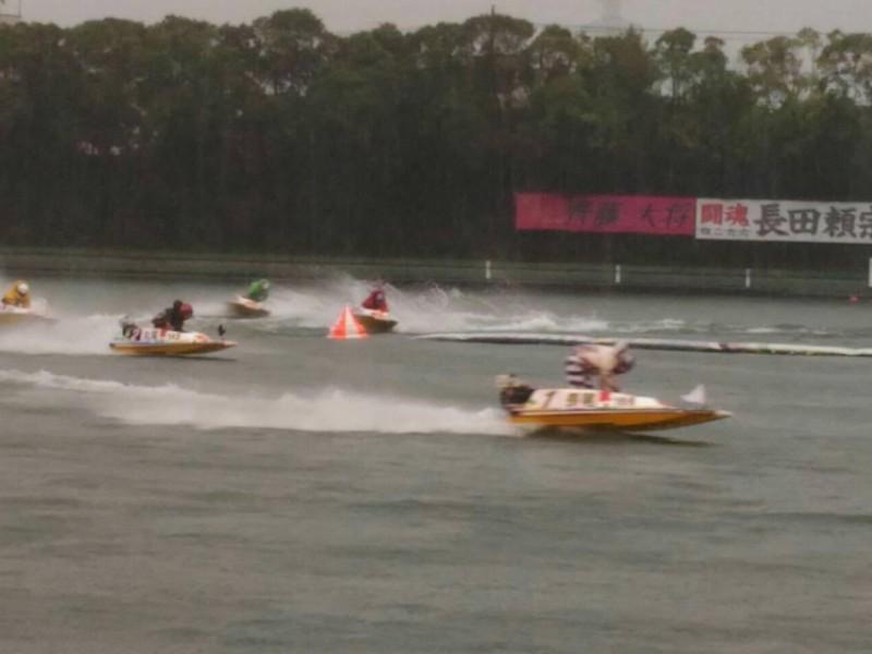 「ボートレース多摩川」へ行ってみよう!B級グルメも楽しめるおでかけコース