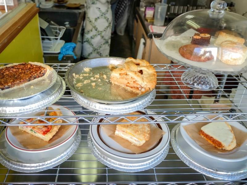 【13:40】アメリカンパイ専門店「Good Company The American Pie」で焼きたてパイのカフェタイム