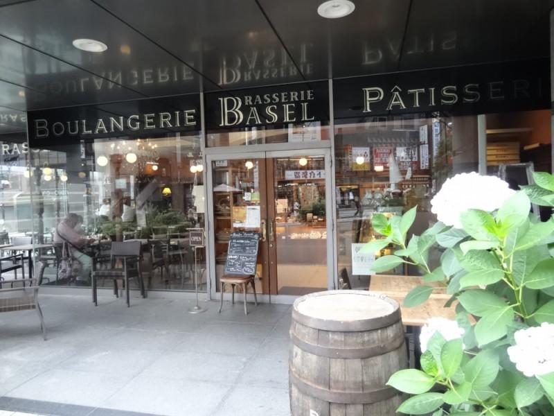 【17:10】「BrasserieBASEL」(ブラッスリー・バーゼル)でスイーツのテイクアウト