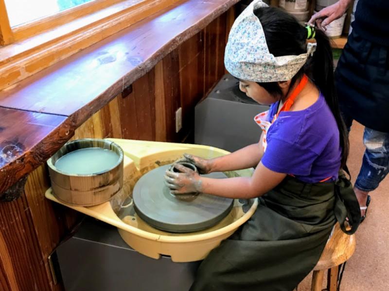 おいしいスペイン料理のランチを食べて電動ろくろで陶芸体験に初挑戦!緑あふれる京王永山駅周辺を満喫するコース