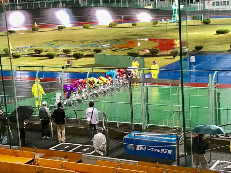 【18:30】競輪のレース観戦