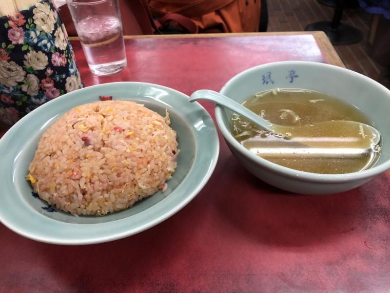 下北沢「珉亭」で名物チャーハンを食べて、古着屋を巡りクラフトビール量り売り専門店で乾杯するコース