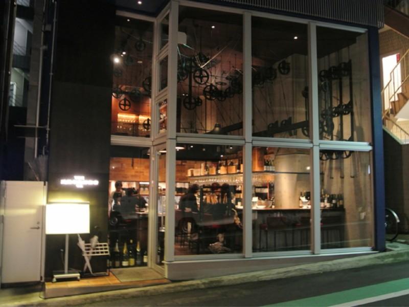 【22:00】スタイリッシュなワインバー「神泉 遠藤利三郎商店」で夜を愉しむ
