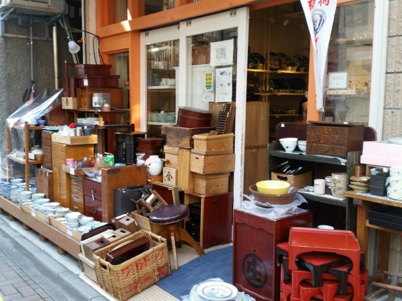 【13:30】「吉祥寺PukuPuku 中道通り店」で古き良きアンティークの和食器に触れる