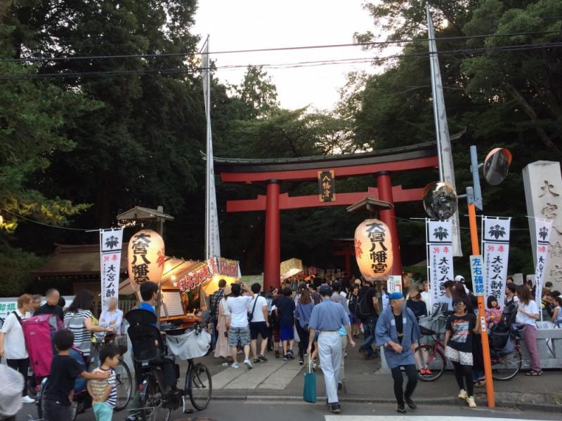 名店「永福町大勝軒」でラーメンを食べて、東京のへそ・子育厄除八幡「大宮八幡祭り」で神輿の熱気に酔いしれるコース