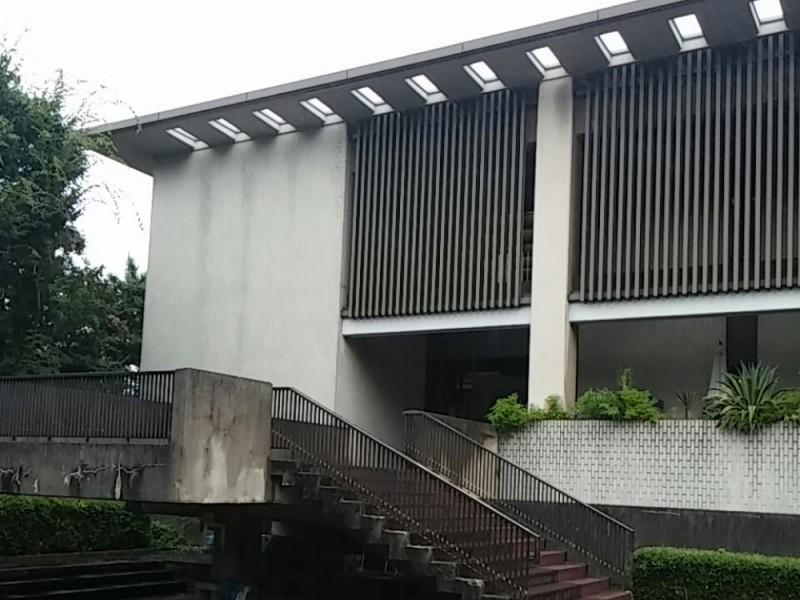 【14:20】「日本近代文学館」で文学に触れ、偉人たちの思いに心を馳せる