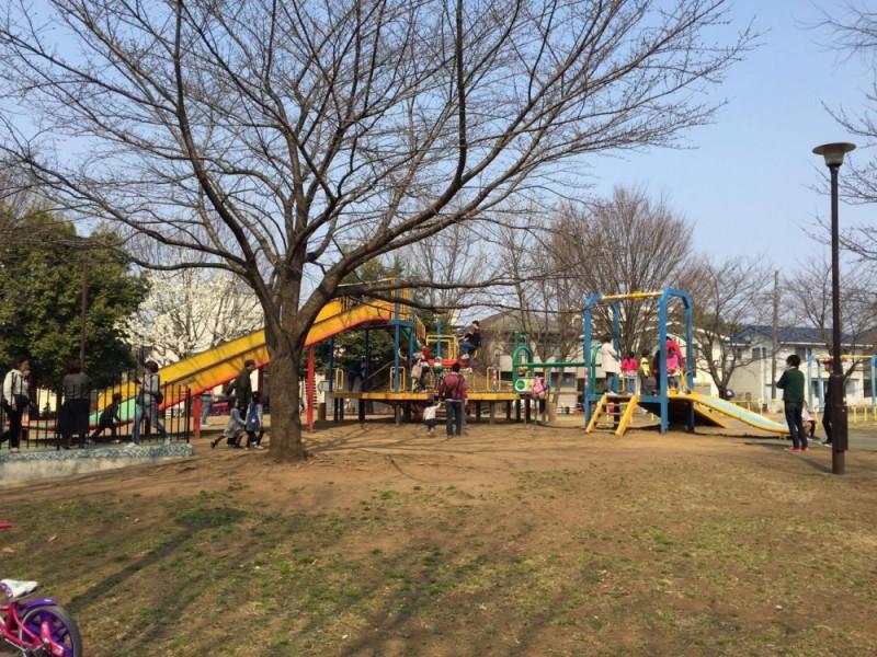 【13:30】ちょっと足を延ばしてダイナミックな遊具が楽しい和田堀公園の「ワンパク広場」