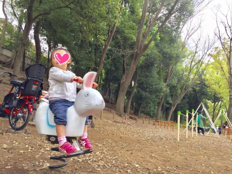 【11:00】井の頭池までの間にある、2つ目の遊具エリアで遊ぶ