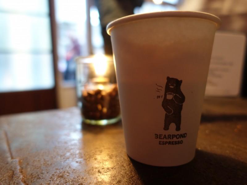 【16:00】「Bear Pond Espresso(ベアポンド・エスプレッソ)」でカフェタイム